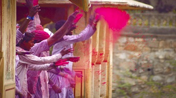 GOLDEN TRIANGLE WITH HOLI - PICK YOUR OWN HOLI IN MATHURA AND VRINDAVAN